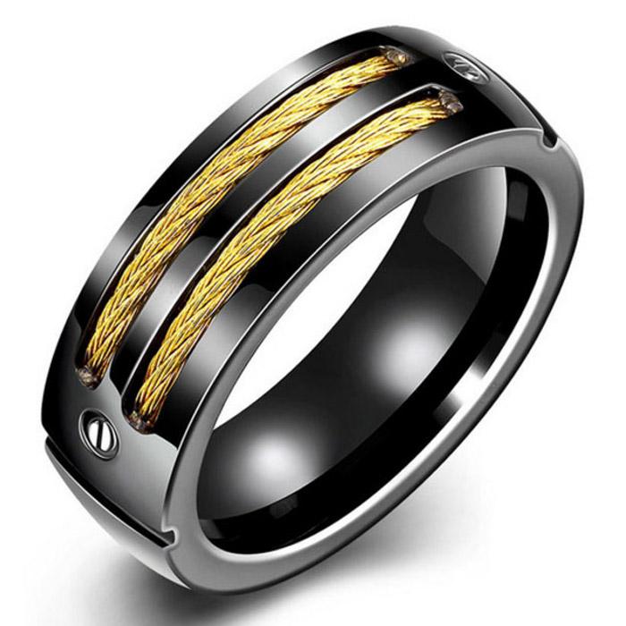 Stalen ring zwart met gouden Kabel